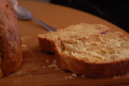 Old-Fashioned Winter Oatmeal Bread